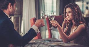 zmysłowa randka w restauracji