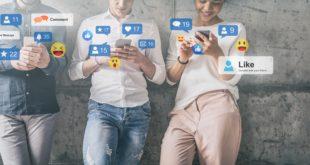 młodzi ludzie social media
