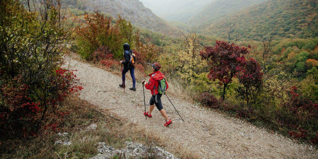 nordic walking jesienią w górach