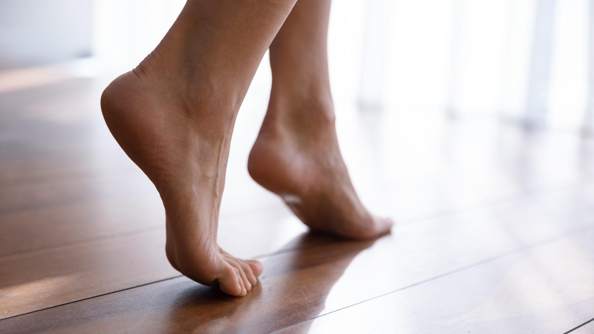 Kobiece stopy Krępowanie stóp