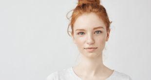 ładna ruda nastolatka