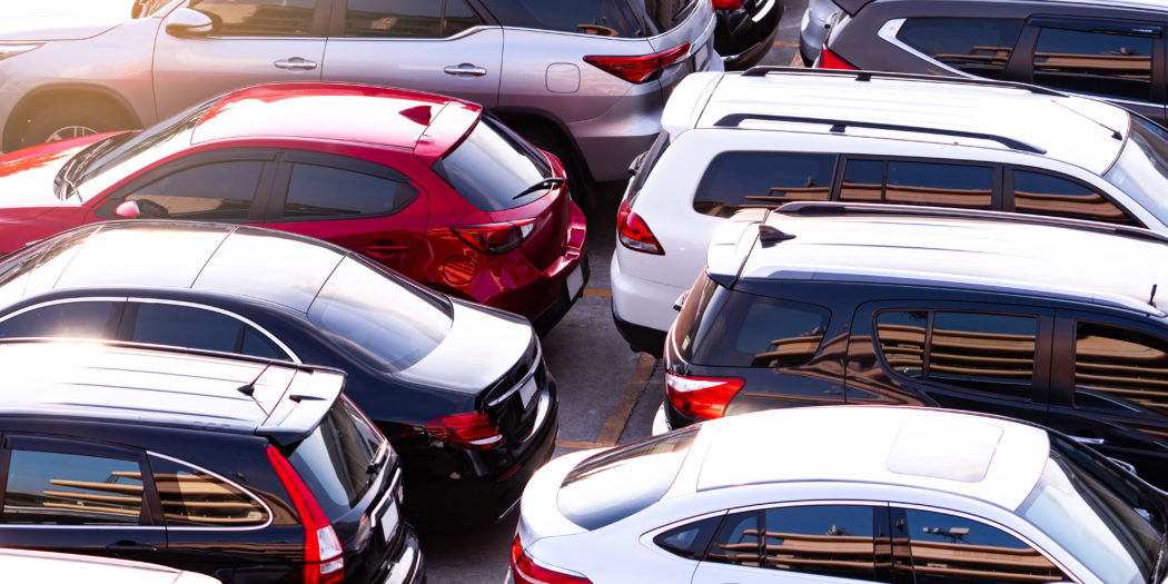zaparkowane samochody używane