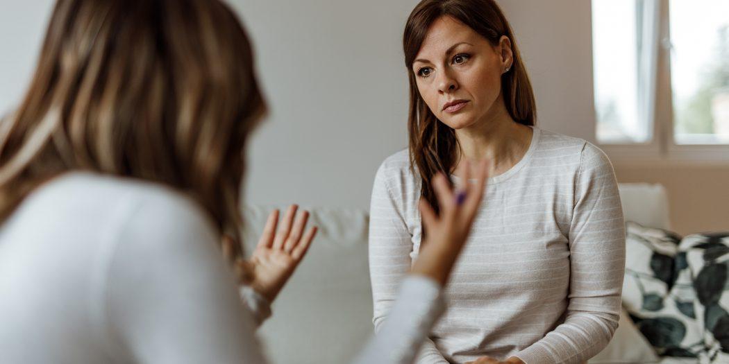 kobieta u psychoterapeuty